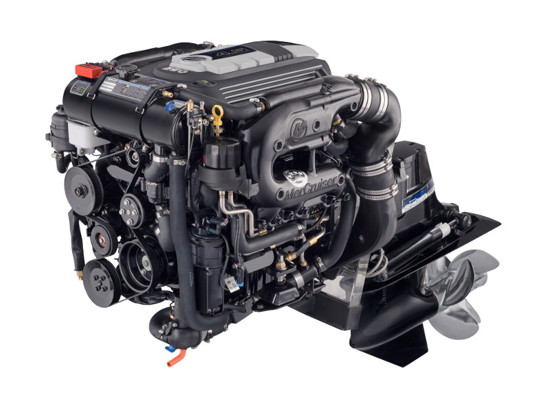 (b) Mercruiser 4 5L Petrol Engine 250hp Bravo